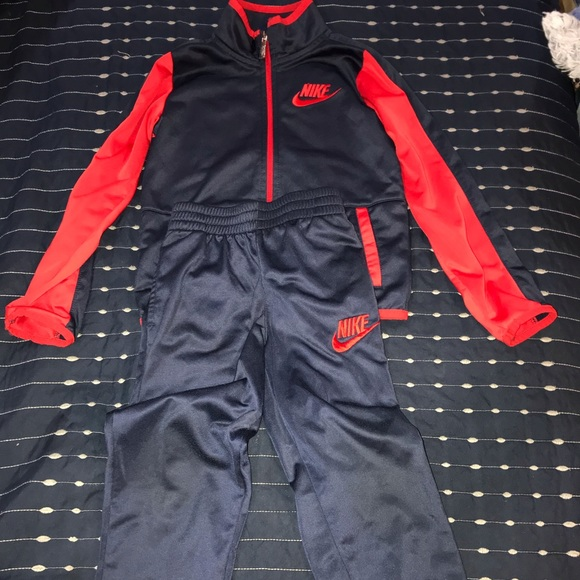 Nike Other - Nike Matching pant and long sleeved set